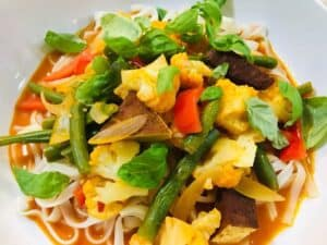 IMG_8945-300x225 Skinny Thai Curry Noodle Bowl